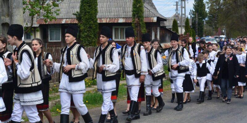 """Festival folcloric """"Joc de pe Cosău"""""""
