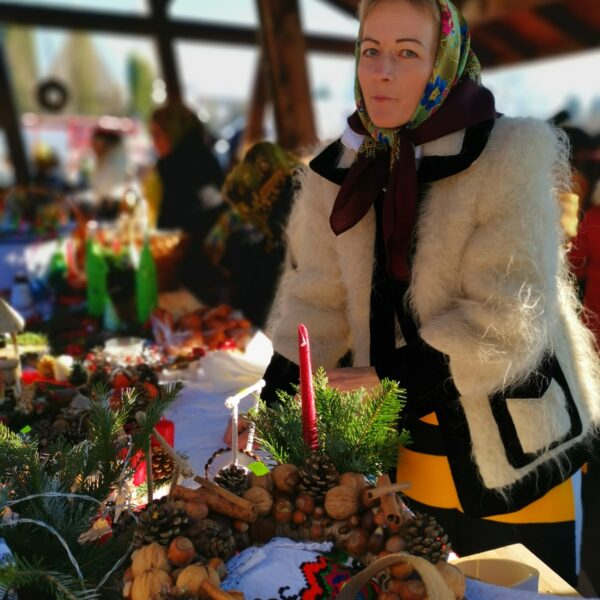 Târg de iarnă caritabil în Ocna Șugatag