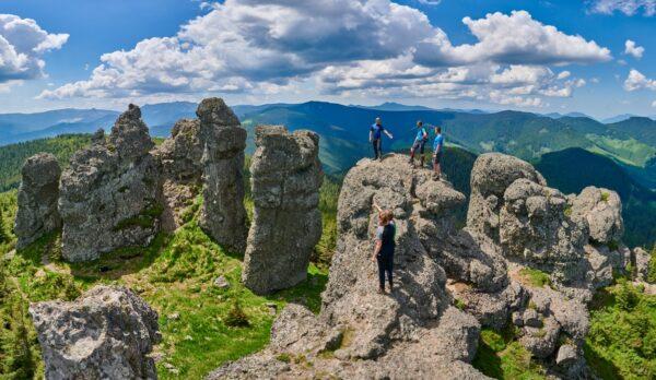 Rezervația Geologică 12 Apostoli